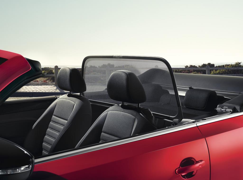 2017 Volkswagen Beetle Convertible Wind Deflector Black