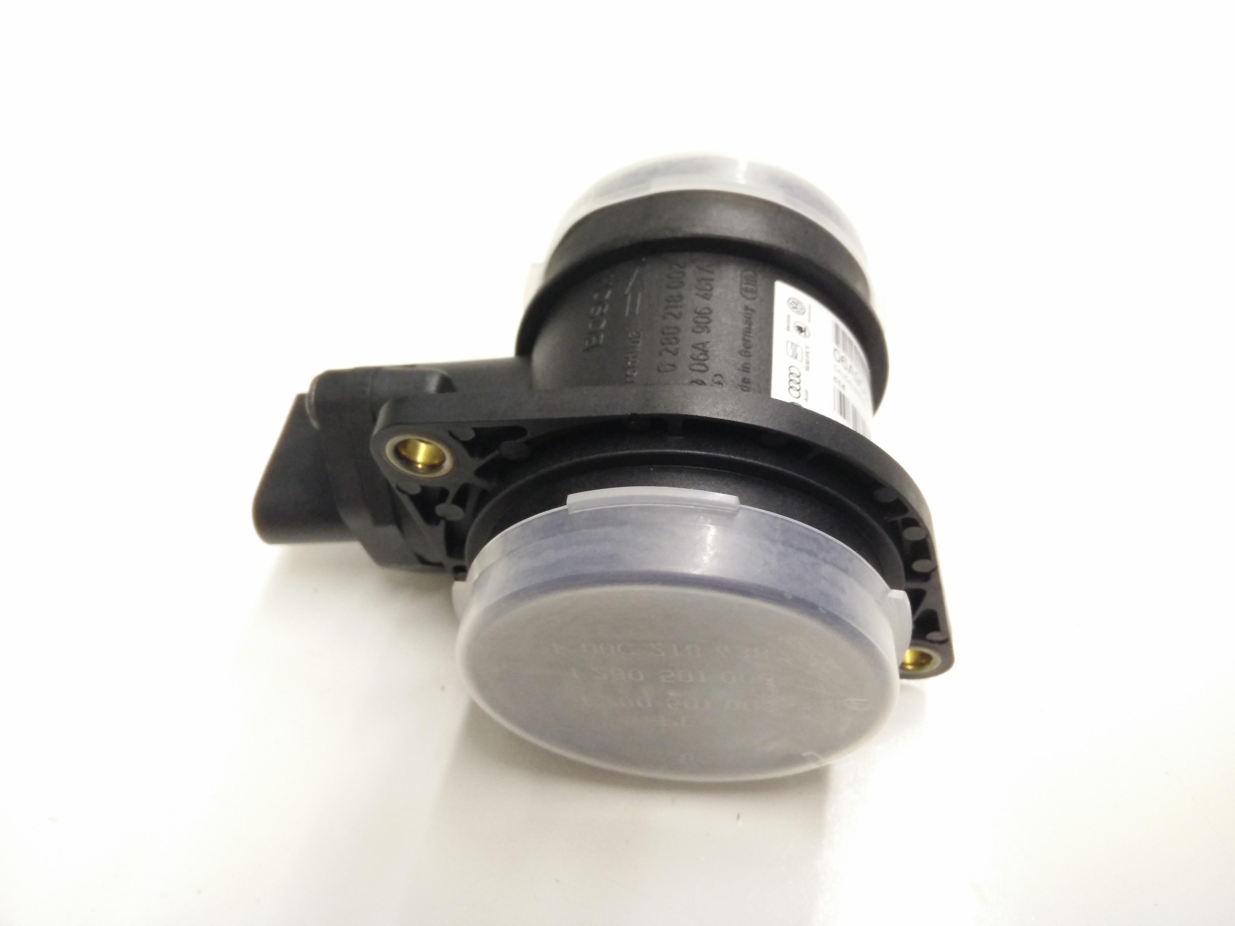 2001 Volkswagen Beetle Air Mass Sensor  Air Meter  Mass